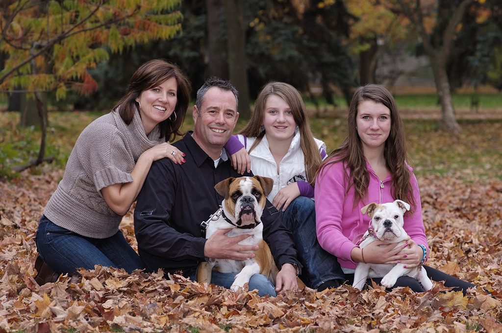 uofg-family-fall-portraits.jpg